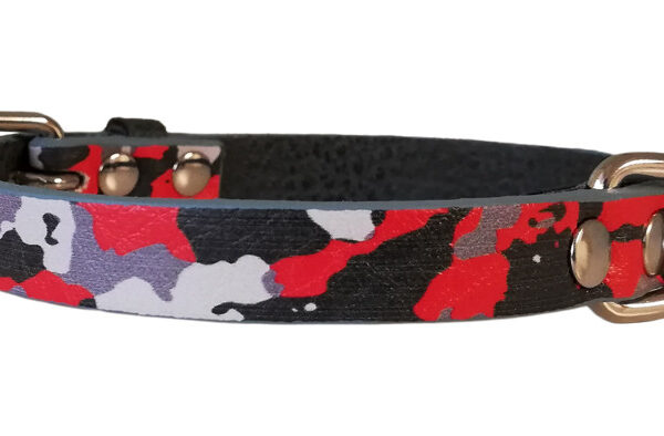 Collare fantasy in ecopelle stampa camouflage rosso